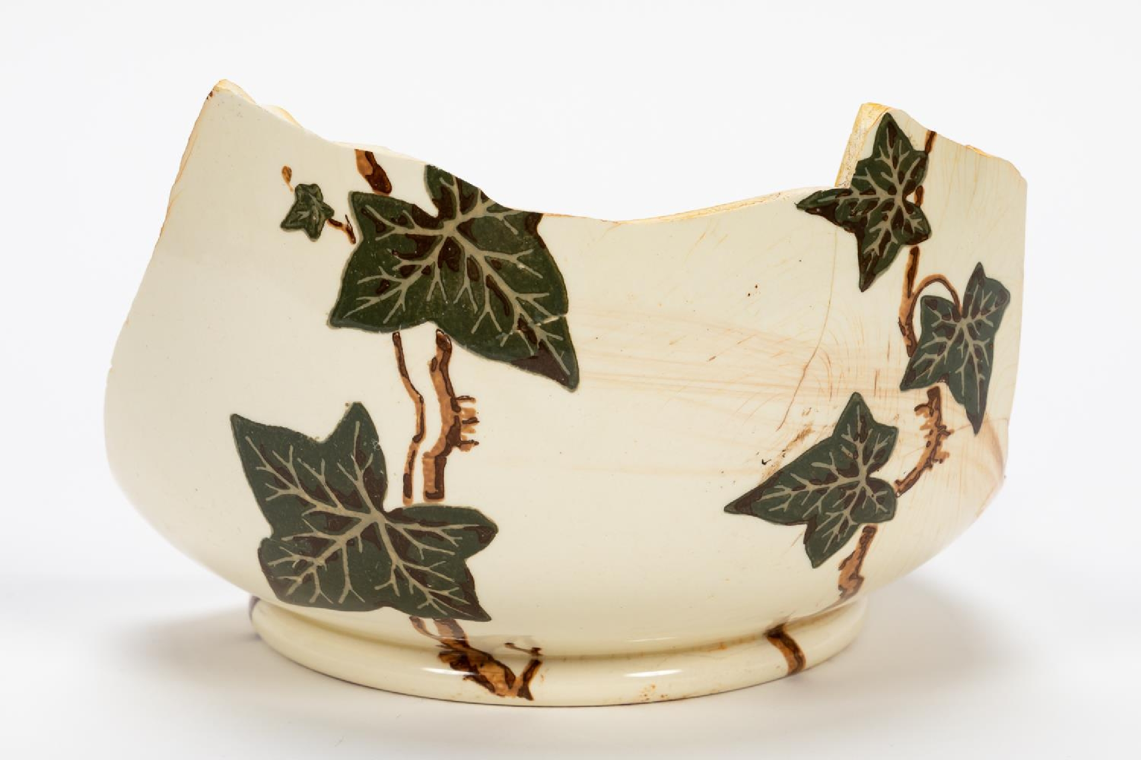 RMS CARPATHIA, SALVAGED PARTIAL IVY CHAMBER POT - Image 2 of 7