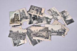 France. Ruines et bombardements allemands, cathédrale de Reims, bataille de la Marne, petits village