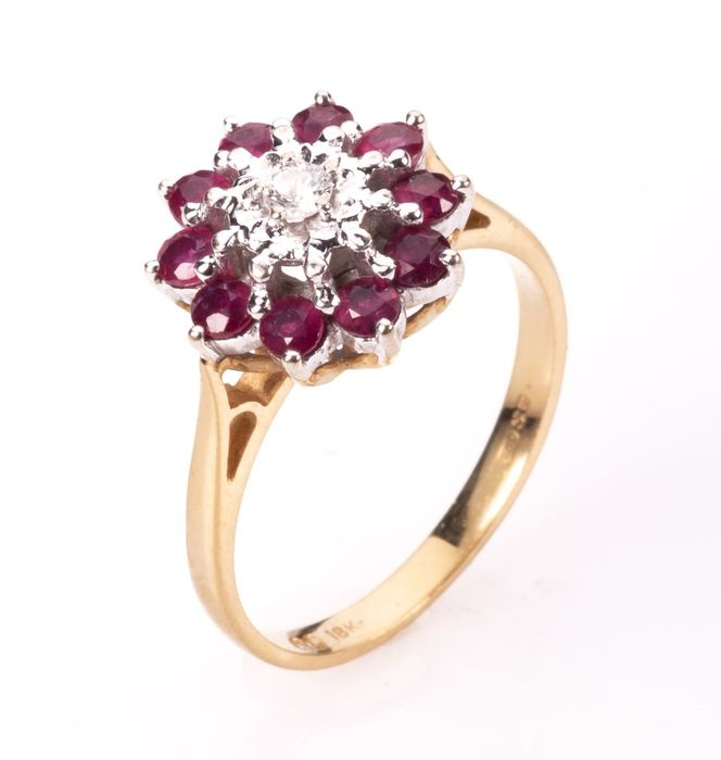 18ct Gold 0.50ct Ruby & Diamond Cluster Ring - Image 7 of 7