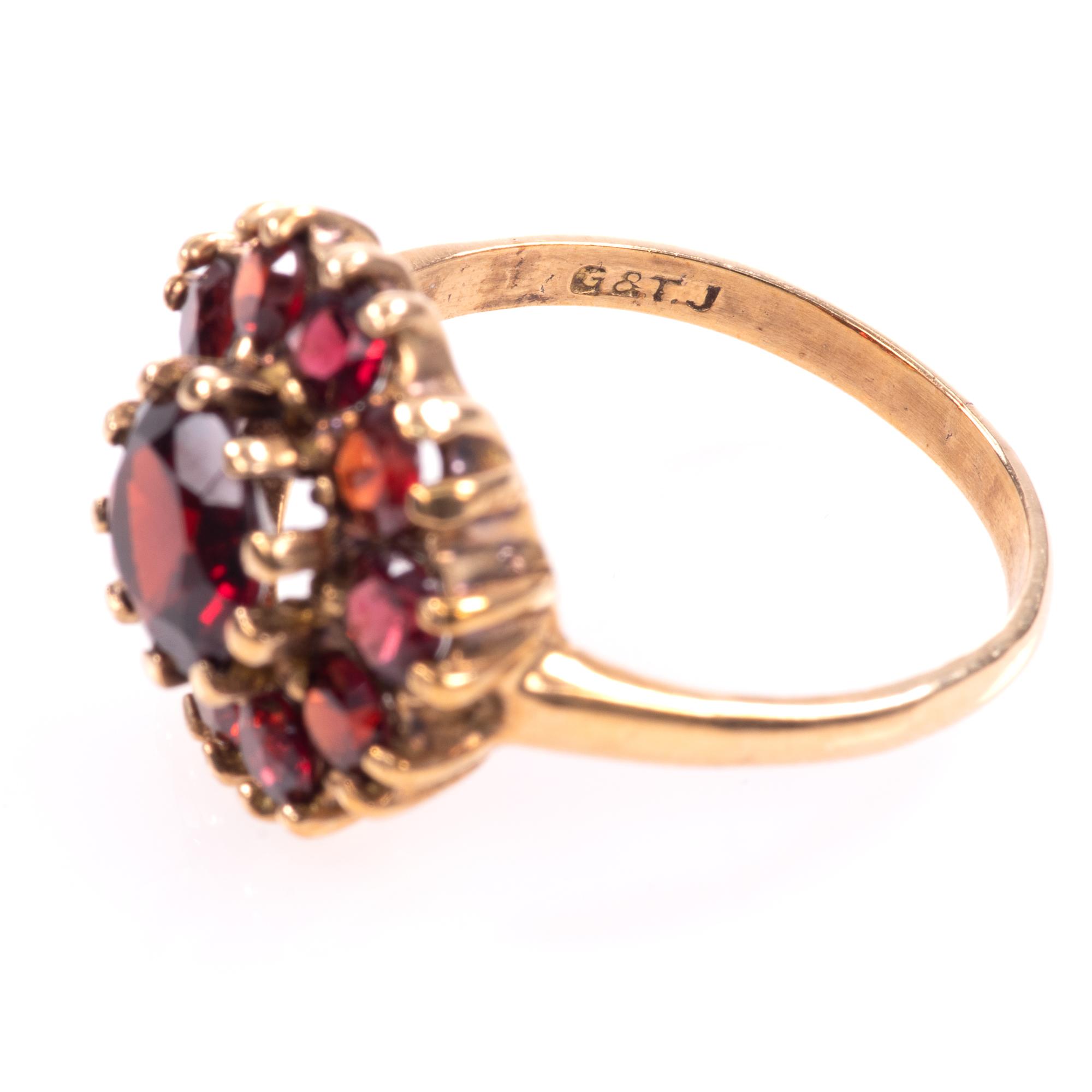 9ct Gold Garnet Ring London 1963 - Image 5 of 8