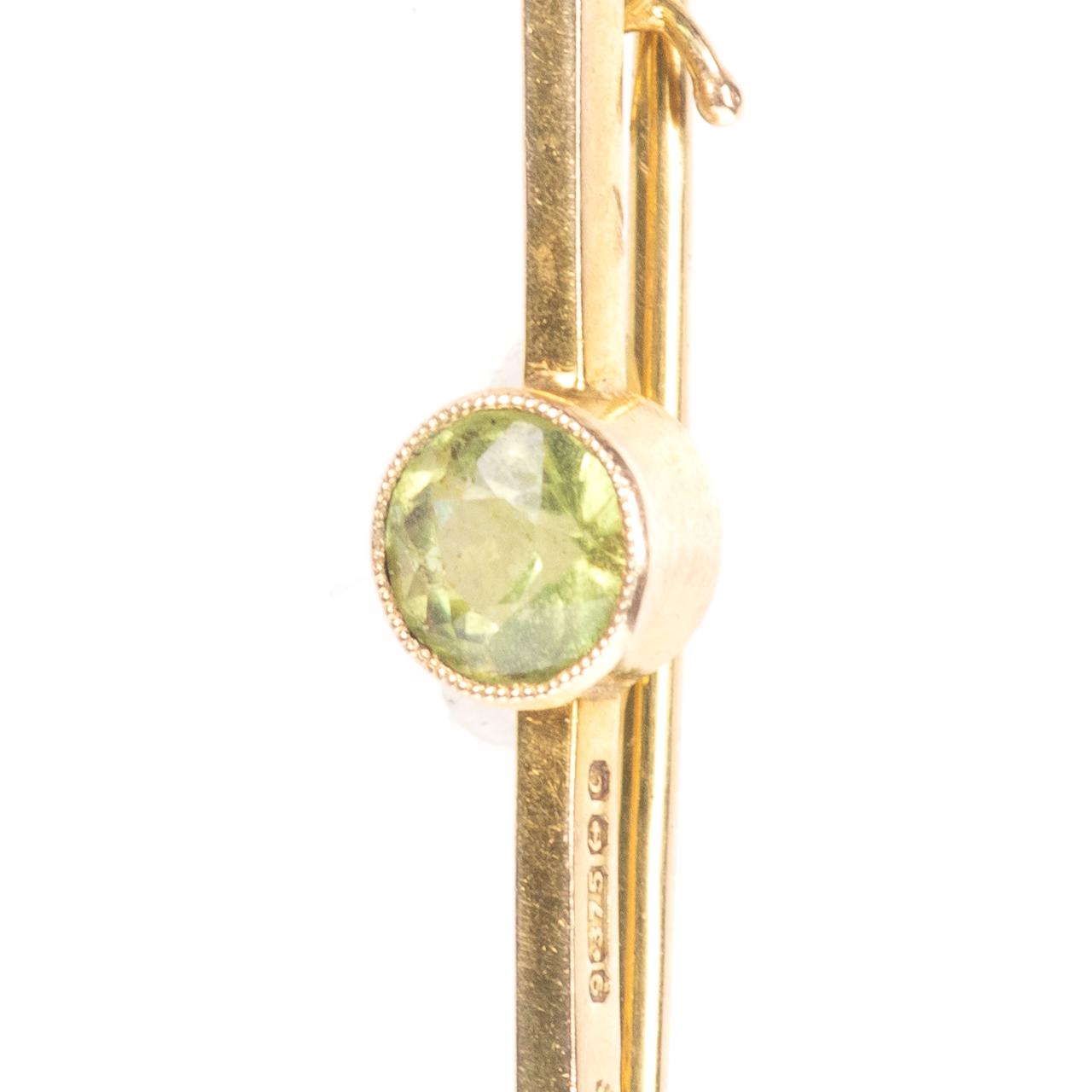 9ct Gold 0.50ct Peridot Brooch Birmingham 1977 Cropp & Farr Ltd - Image 3 of 6