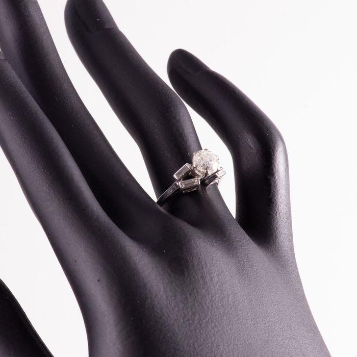 Art Deco Platinum 1ct Diamond Ring - Image 3 of 6