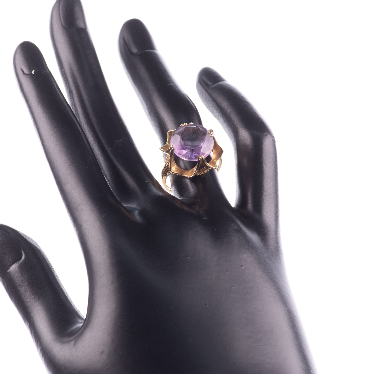 9ct Gold 6.45ct Amethyst Ring London 1974 - Image 2 of 8
