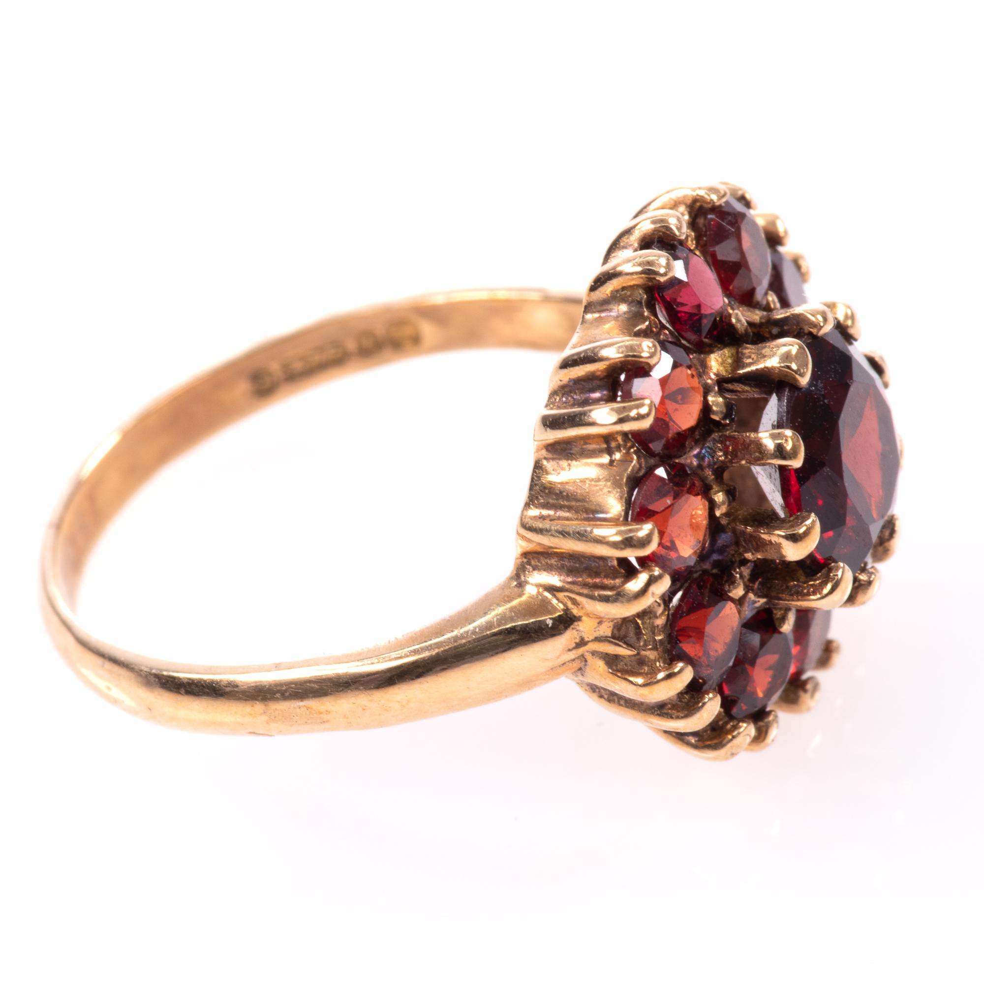 9ct Gold Garnet Ring London 1963 - Image 7 of 8