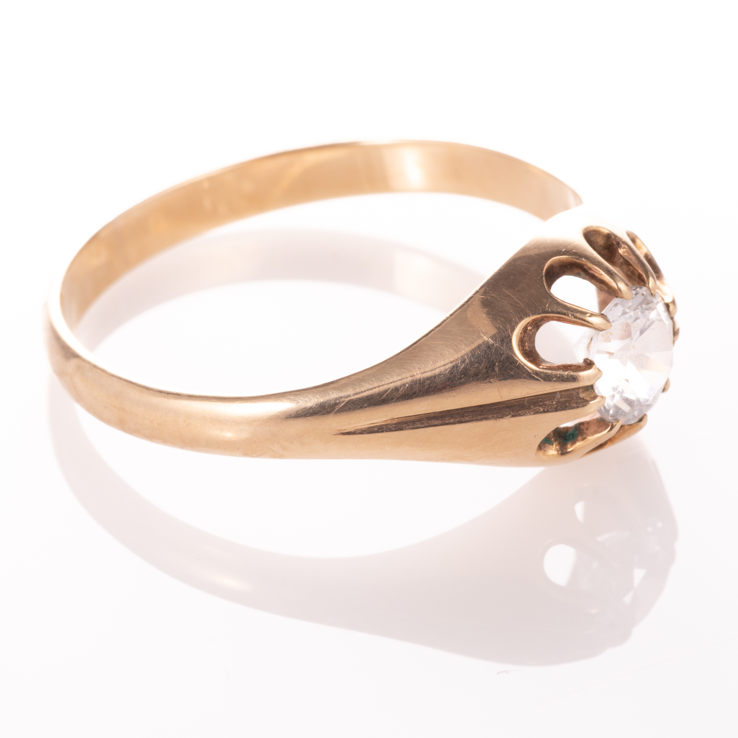 9ct Gold Gypsy Paste Solitaire Ring - Image 7 of 7