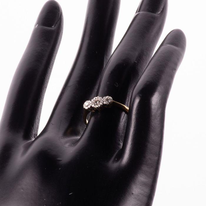 18ct Gold & Platinum Diamond Ring - Image 2 of 7