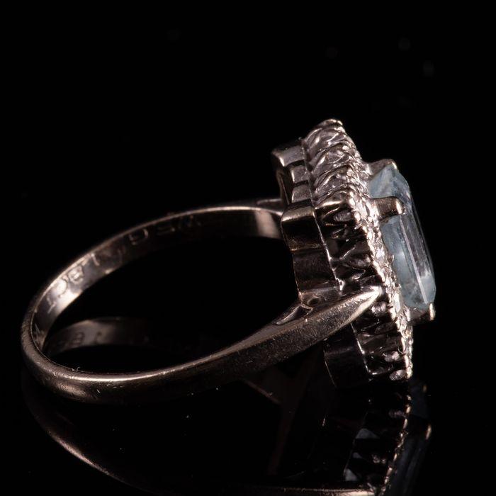 18ct Gold 1.40ct Aquamarine & Diamond Ring - Image 6 of 7