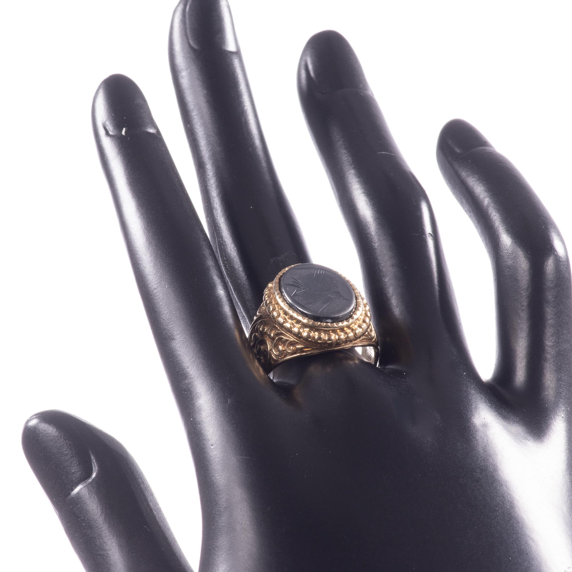 9ct Gold Centurion Onyx Signet Ring - Image 2 of 7