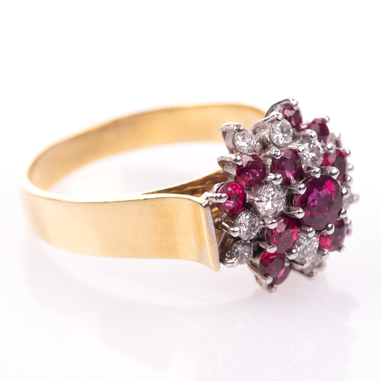 18ct Gold Ruby & 0.35ct Diamond Cluster Ring Hallmarked Birmingham - Image 7 of 7