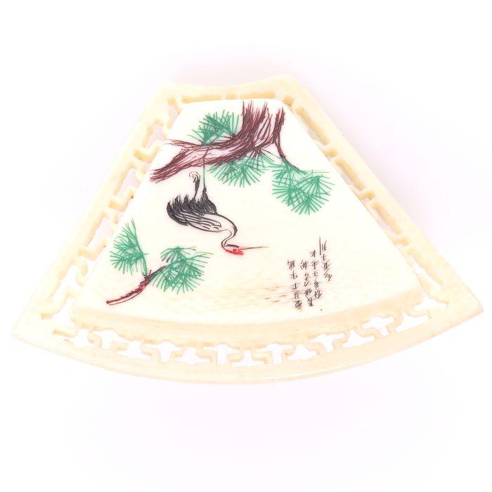 Japanese Carved Bone Brooch Depicting Crane - Image 4 of 5