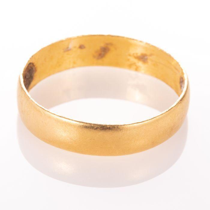 22ct Gold Wedding Band Ring - Image 3 of 5