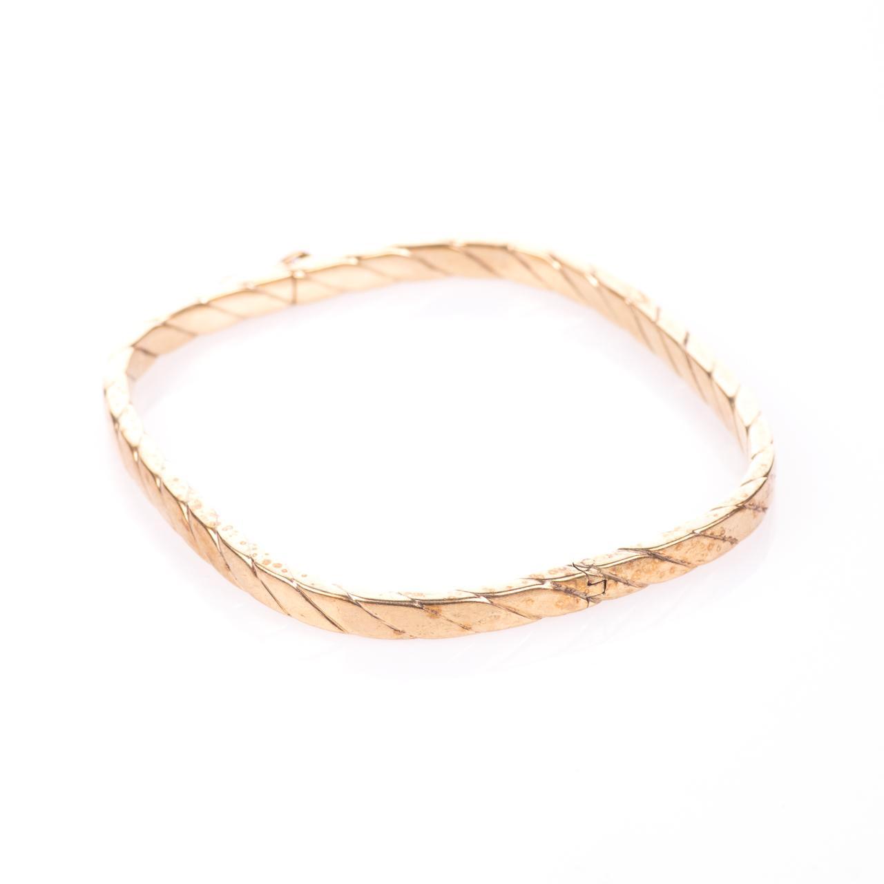 9ct Gold Bangle Bracelet - Image 5 of 6