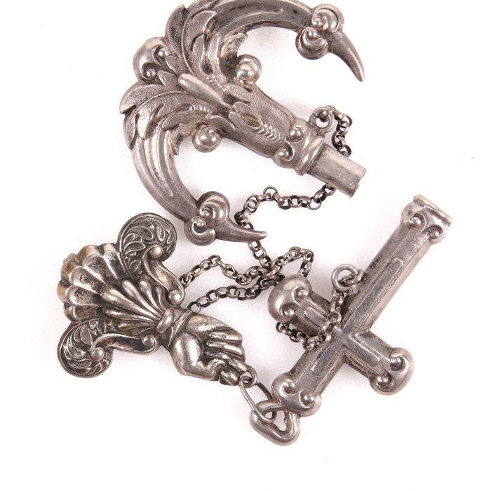 Victorian Silver Anchor Momento Mori Pendant - Image 3 of 4