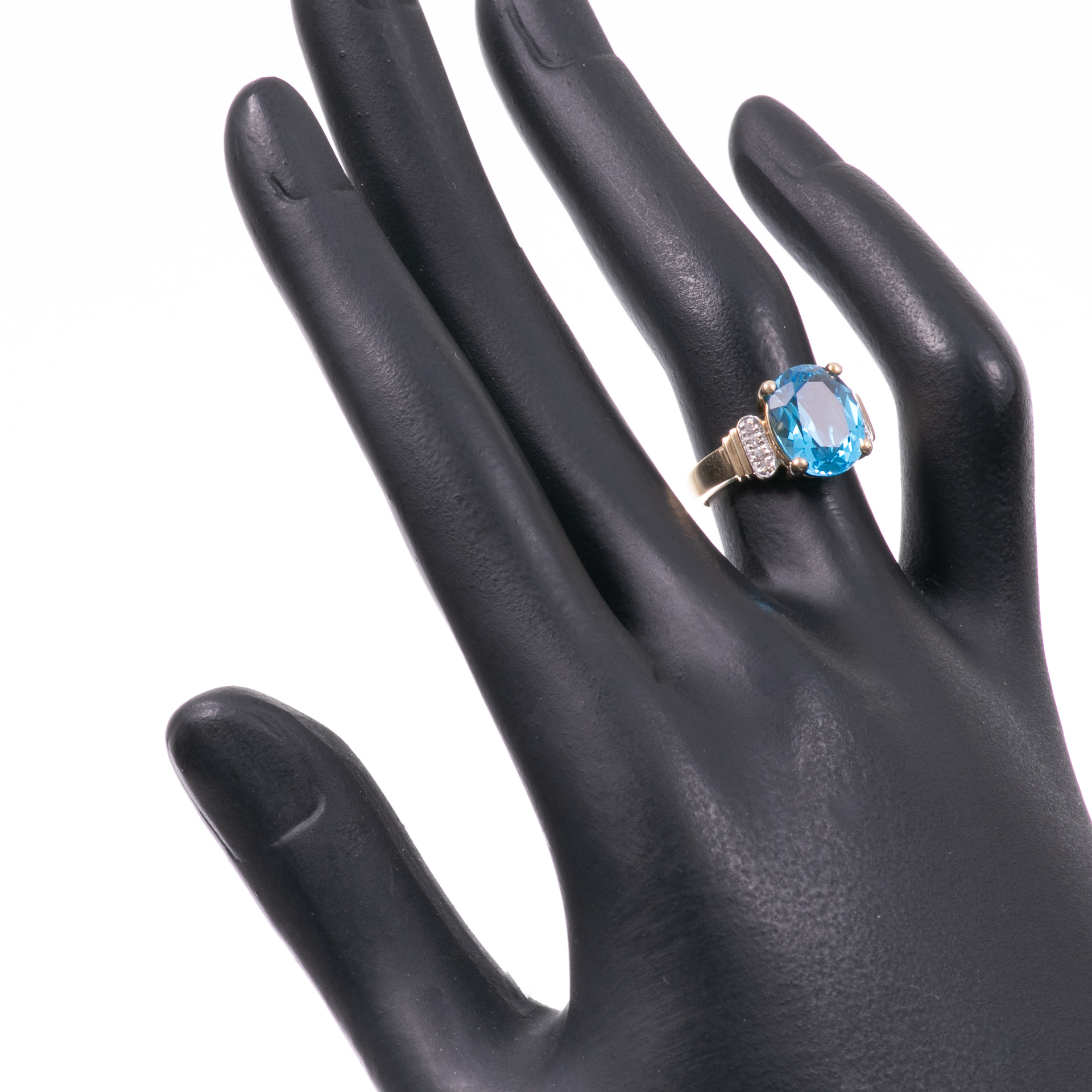 9ct Gold 4.40ct Blue Topaz & Diamond Ring - Image 2 of 6