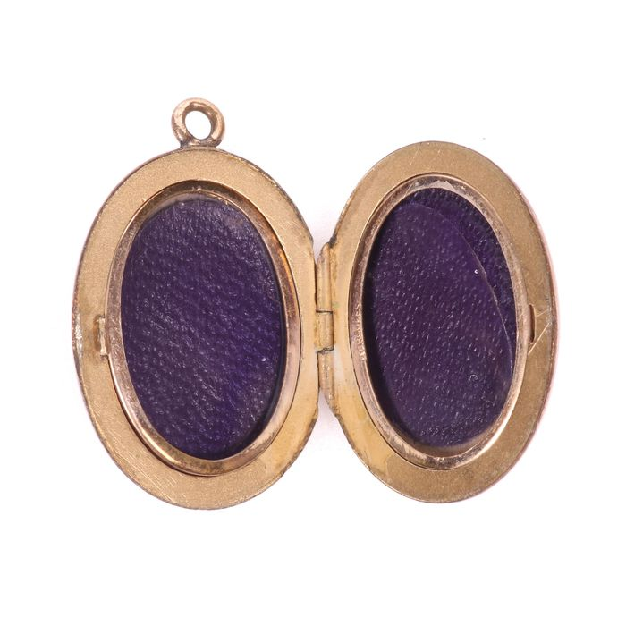 Victorian Pinchbeck Photograph Locket - Image 2 of 4