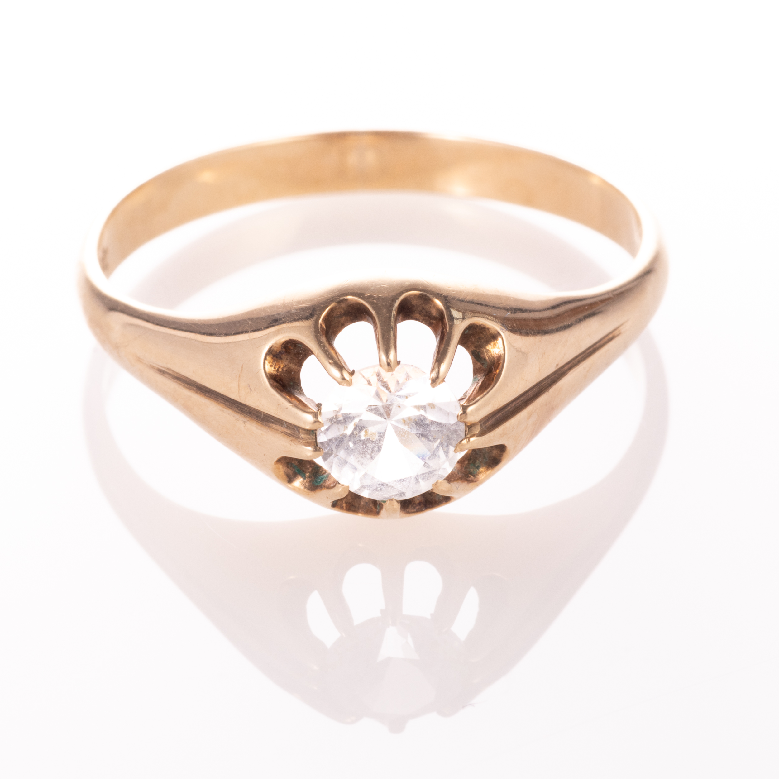 9ct Gold Gypsy Paste Solitaire Ring - Image 3 of 7