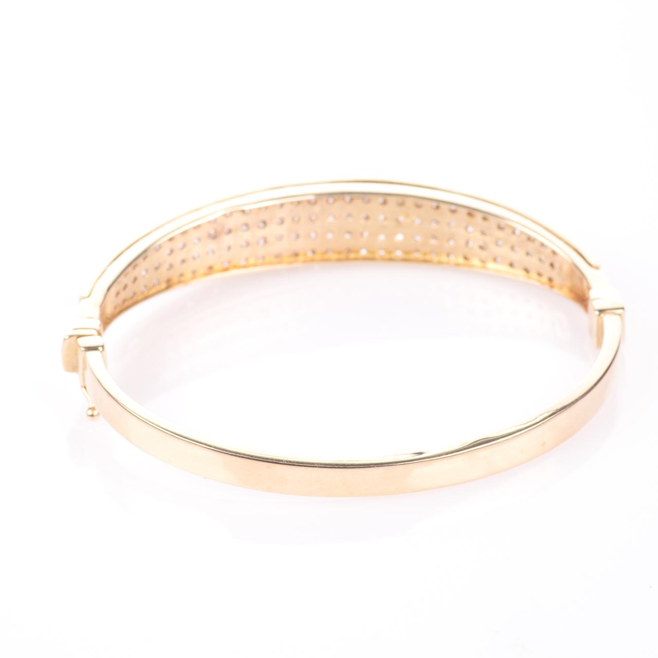 9ct Gold 4ct Diamond Heart Bangle Bracelet - Image 6 of 7