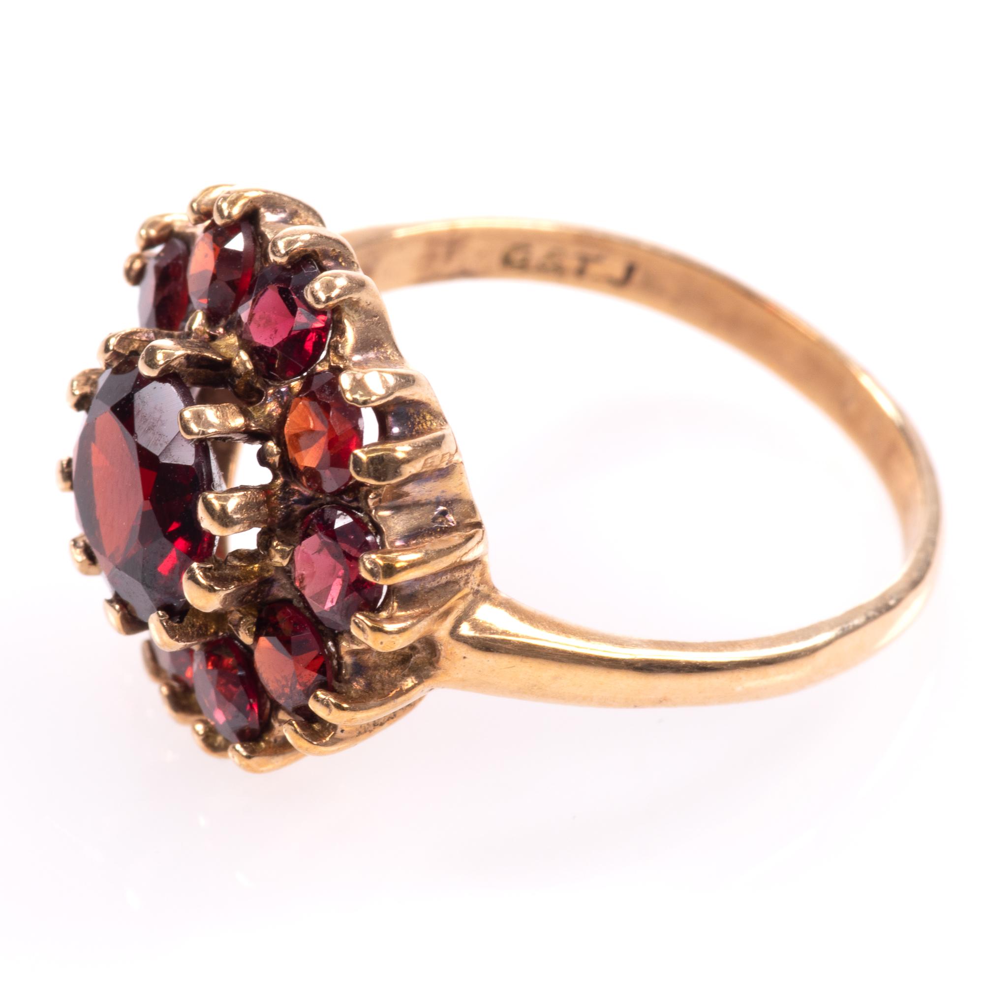 9ct Gold Garnet Ring London 1963 - Image 4 of 8
