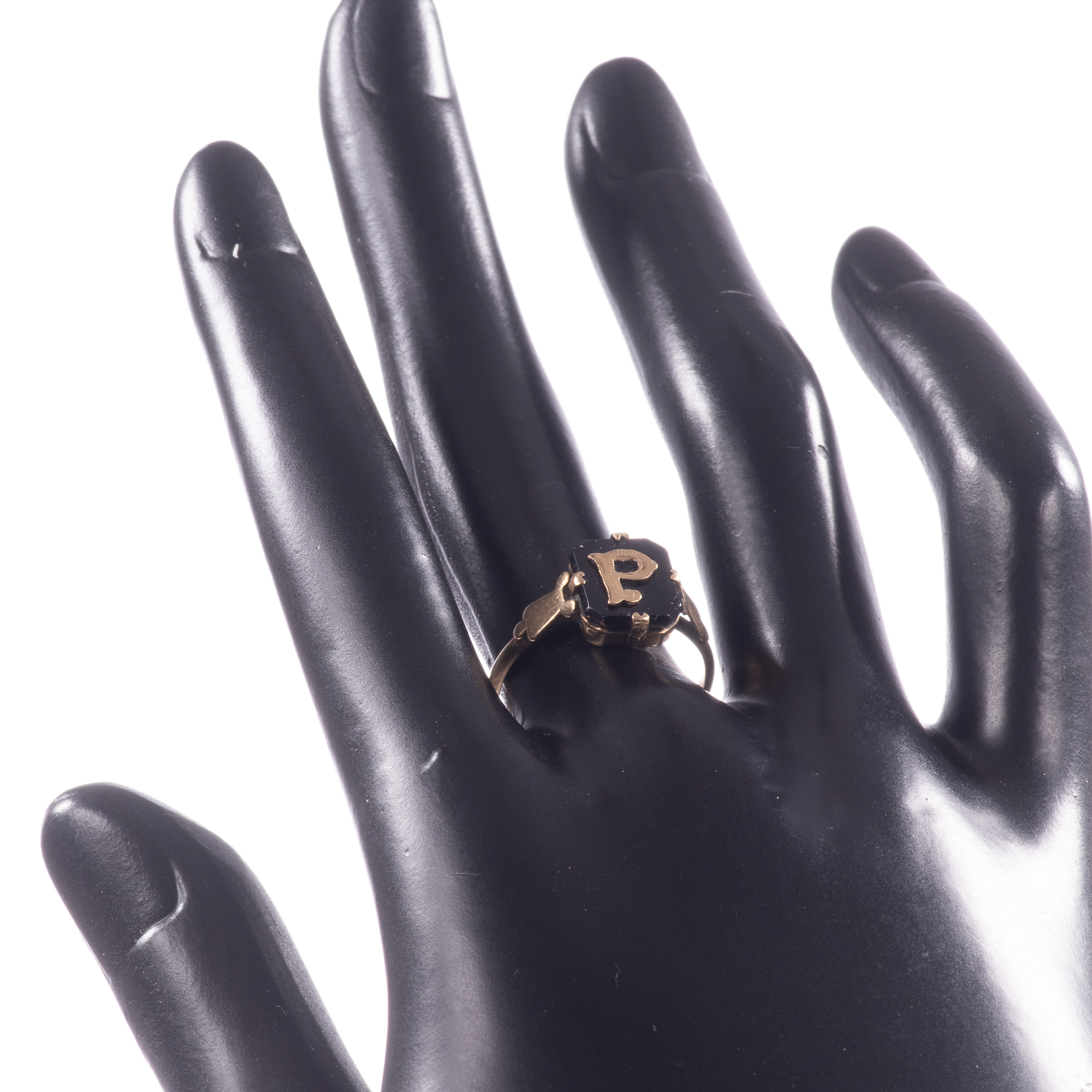 """9ct Gold Victorian Onyx Mourning Ring """"P"""" - Image 2 of 7"""