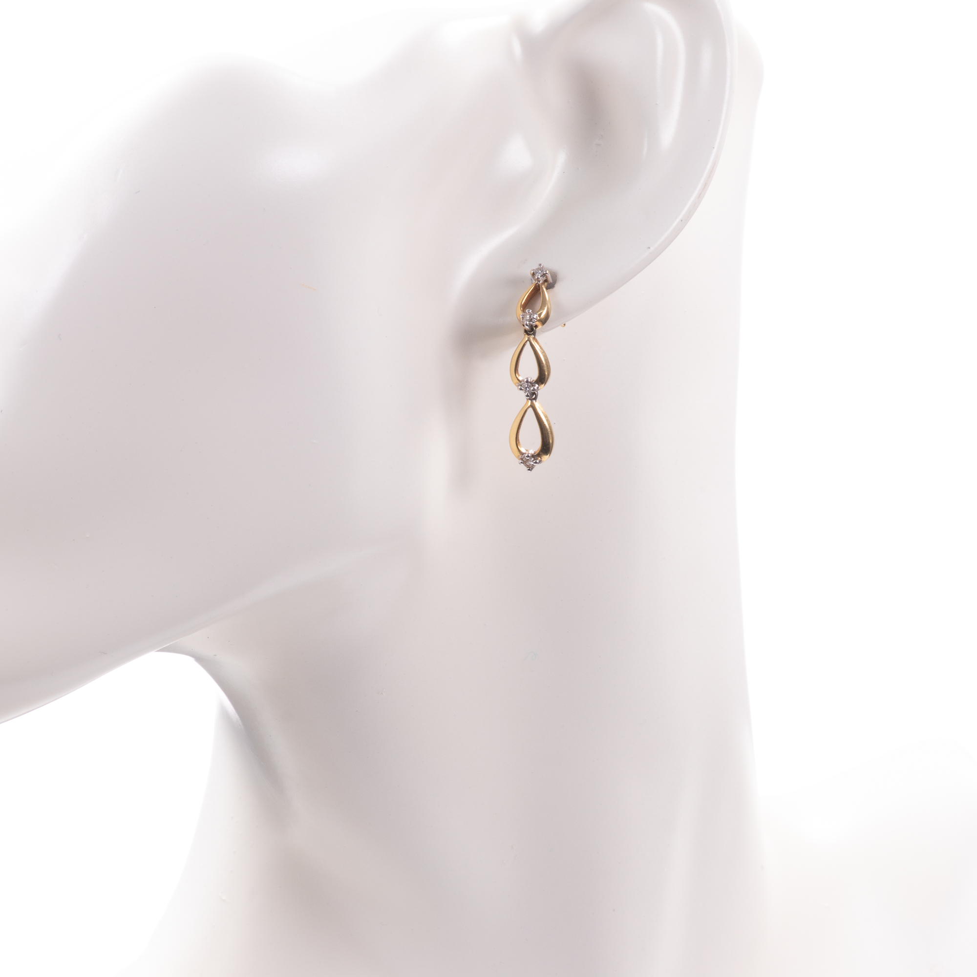 18ct Gold Diamond Earrings - Image 2 of 6