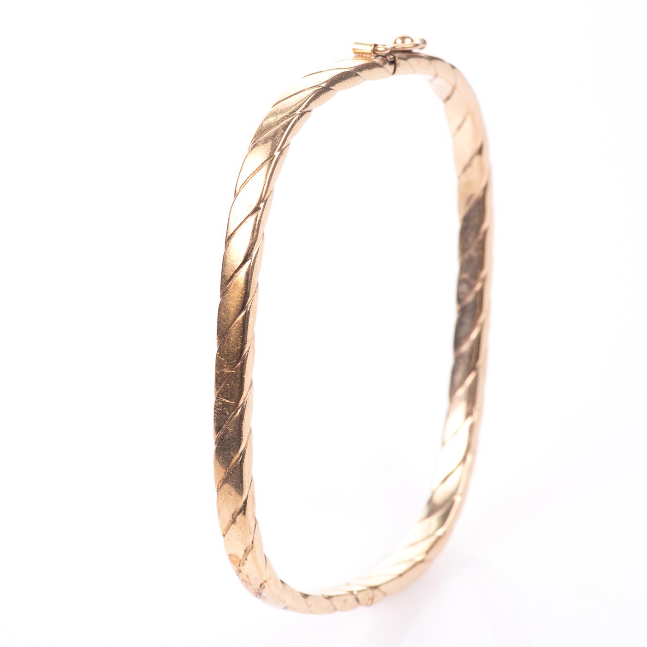 9ct Gold Bangle Bracelet