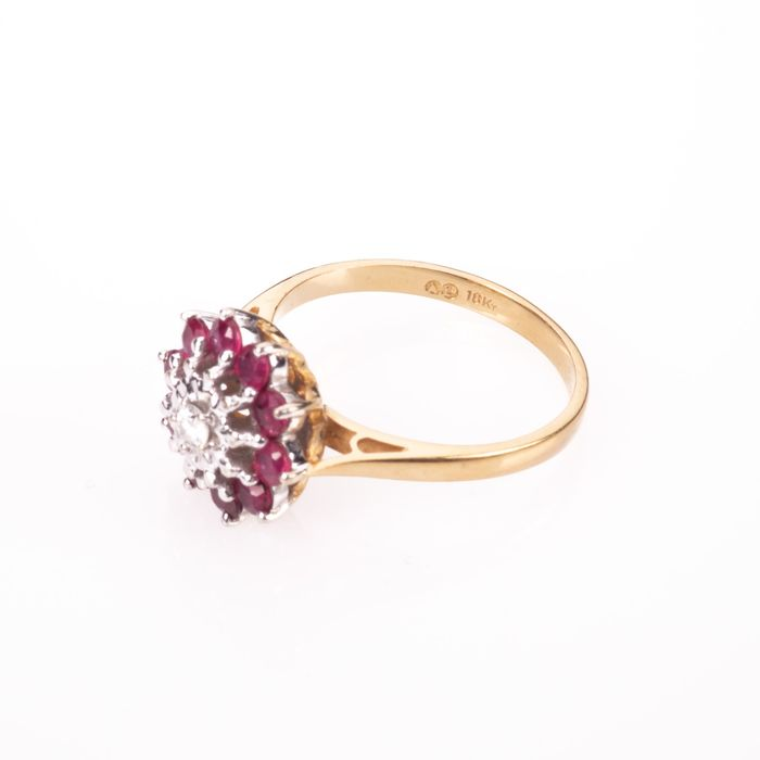 18ct Gold 0.50ct Ruby & Diamond Cluster Ring - Image 4 of 7