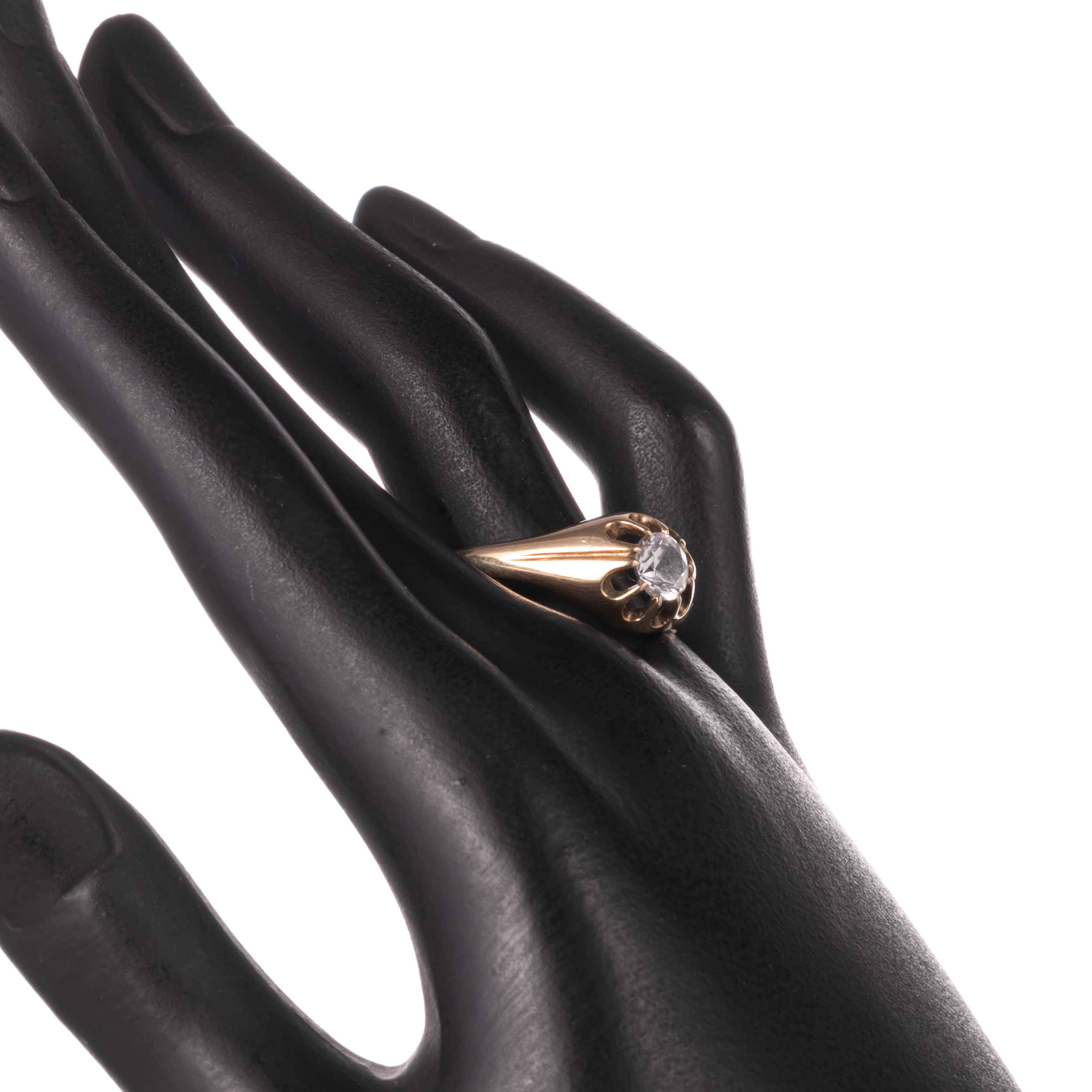 9ct Gold Gypsy Paste Solitaire Ring - Image 2 of 7
