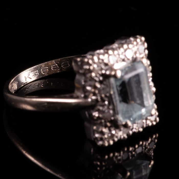 18ct Gold 1.40ct Aquamarine & Diamond Ring - Image 5 of 7
