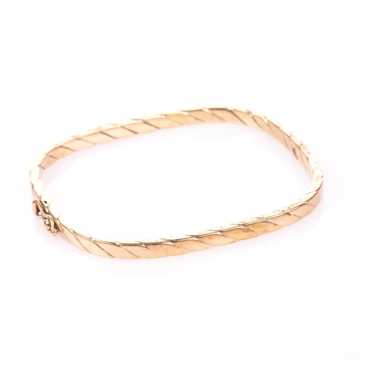 9ct Gold Bangle Bracelet - Image 6 of 6