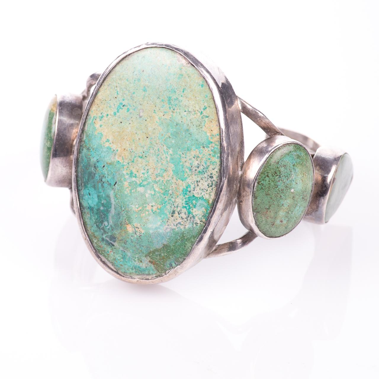 White Metal Navajo Turquoise Bangle - Image 3 of 6