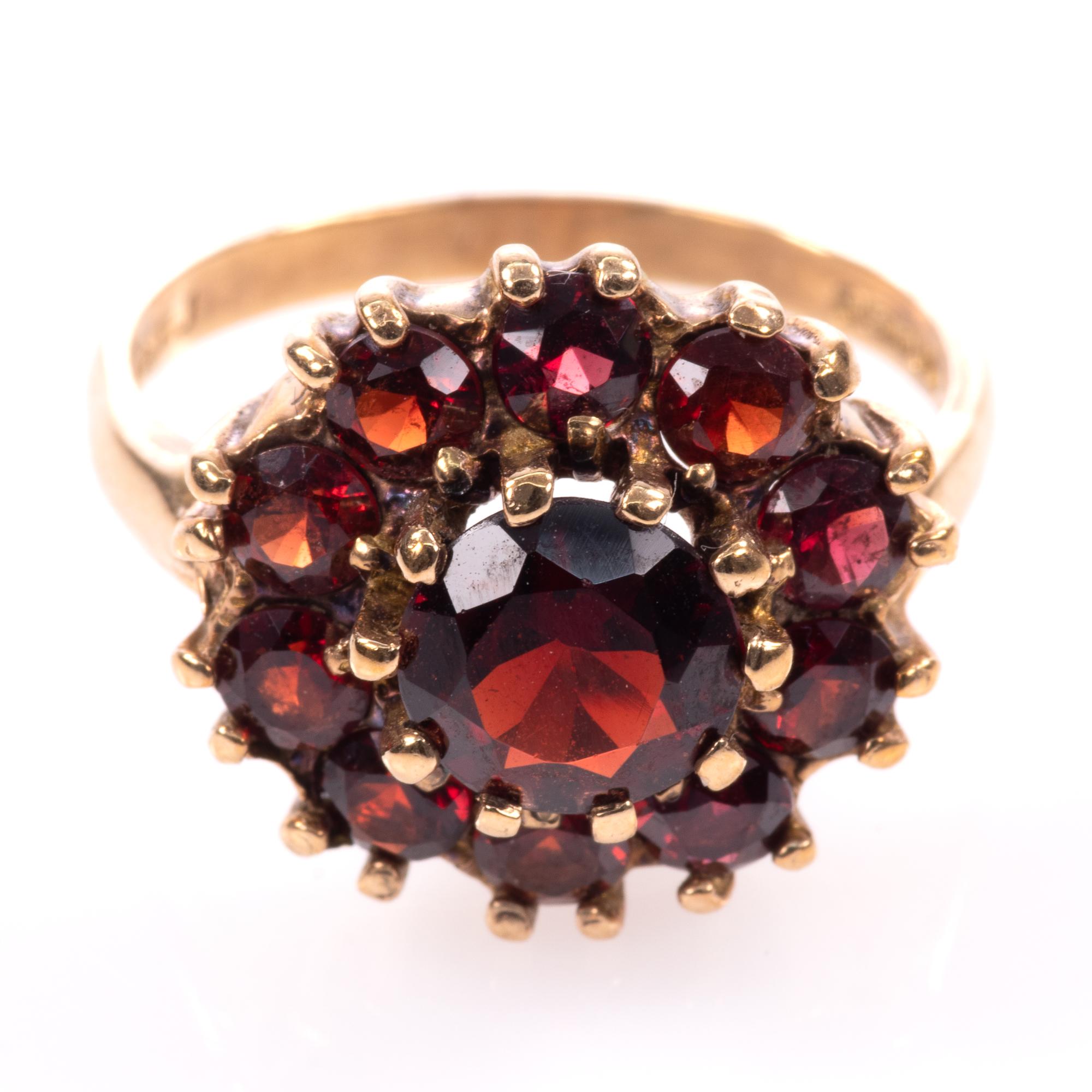 9ct Gold Garnet Ring London 1963 - Image 3 of 8