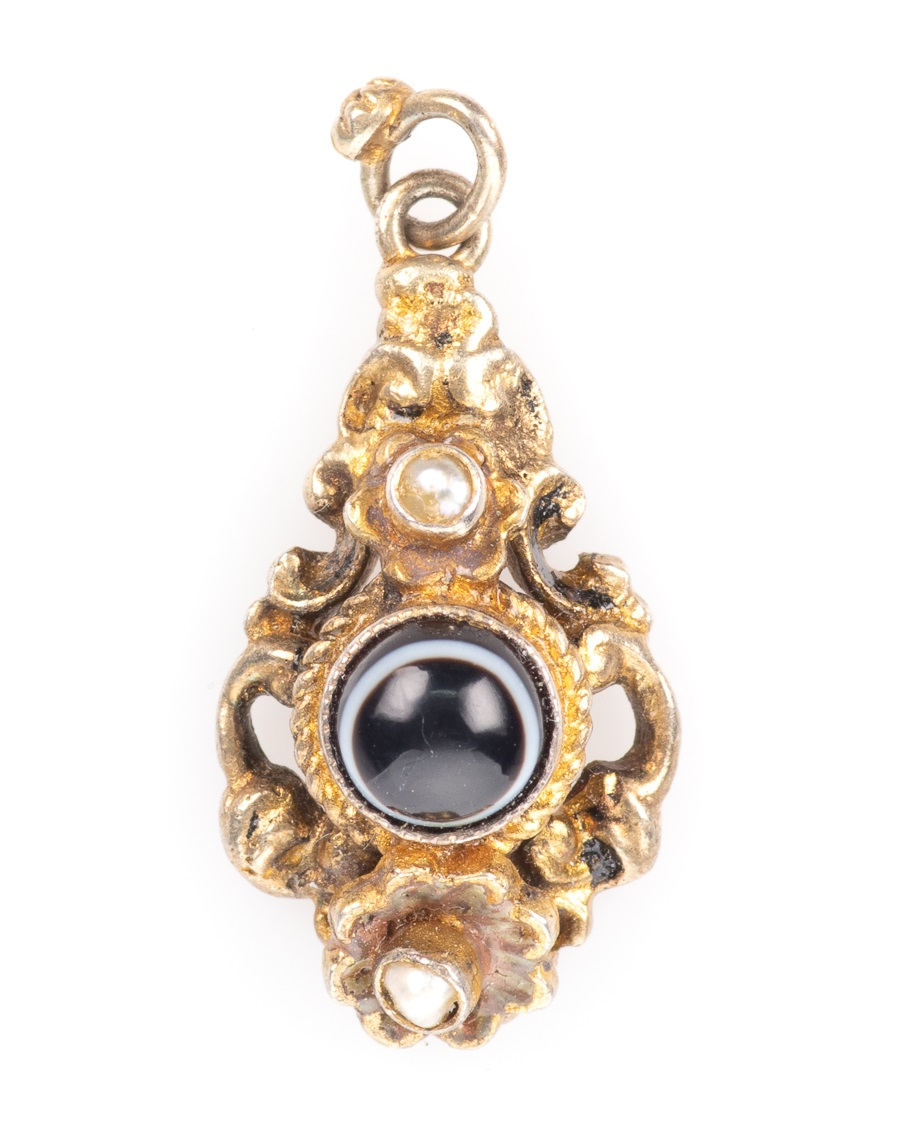 Momento Mori Pinchbeck Pearl & Banded Agate Victorian Pendant