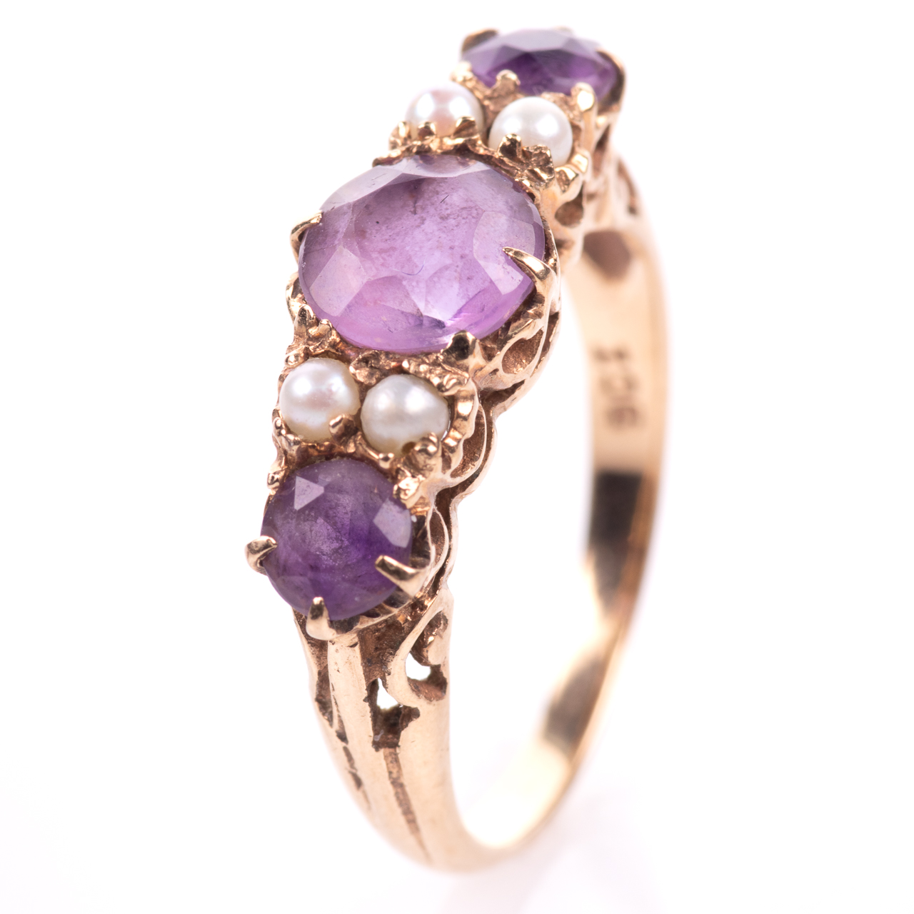 9ct Gold 2.10ct Amethyst & Pearl Ring