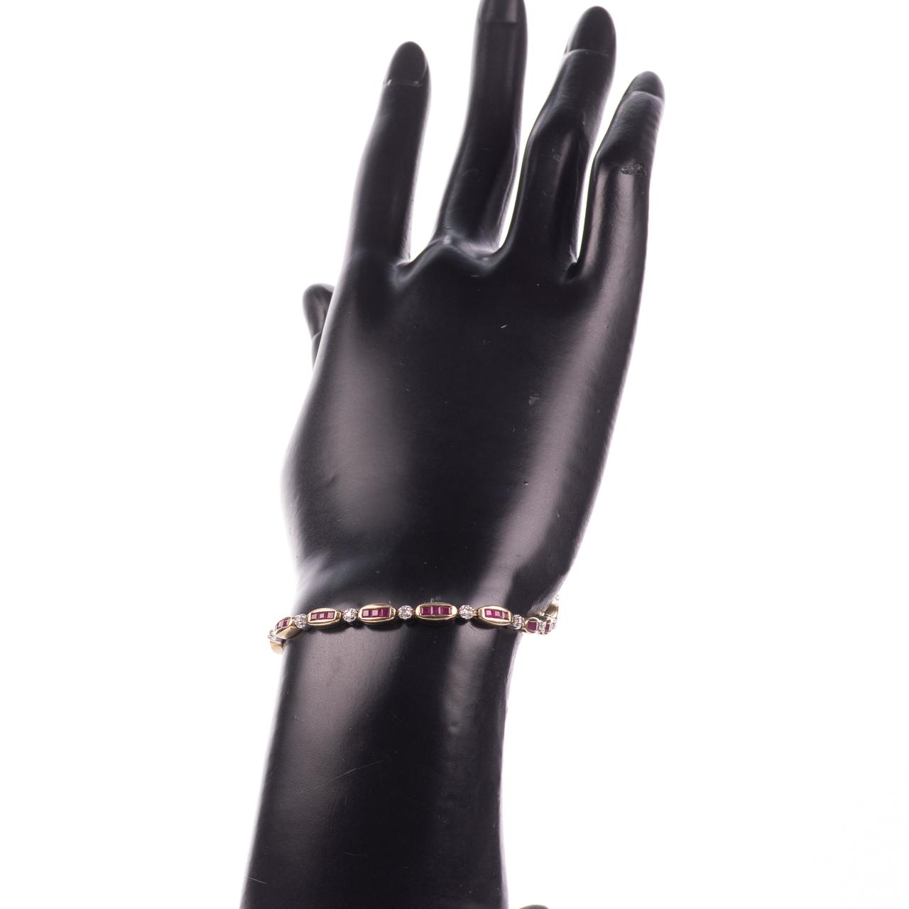 9ct Gold 2ct Ruby & Diamond Tennis Bracelet - Image 2 of 6