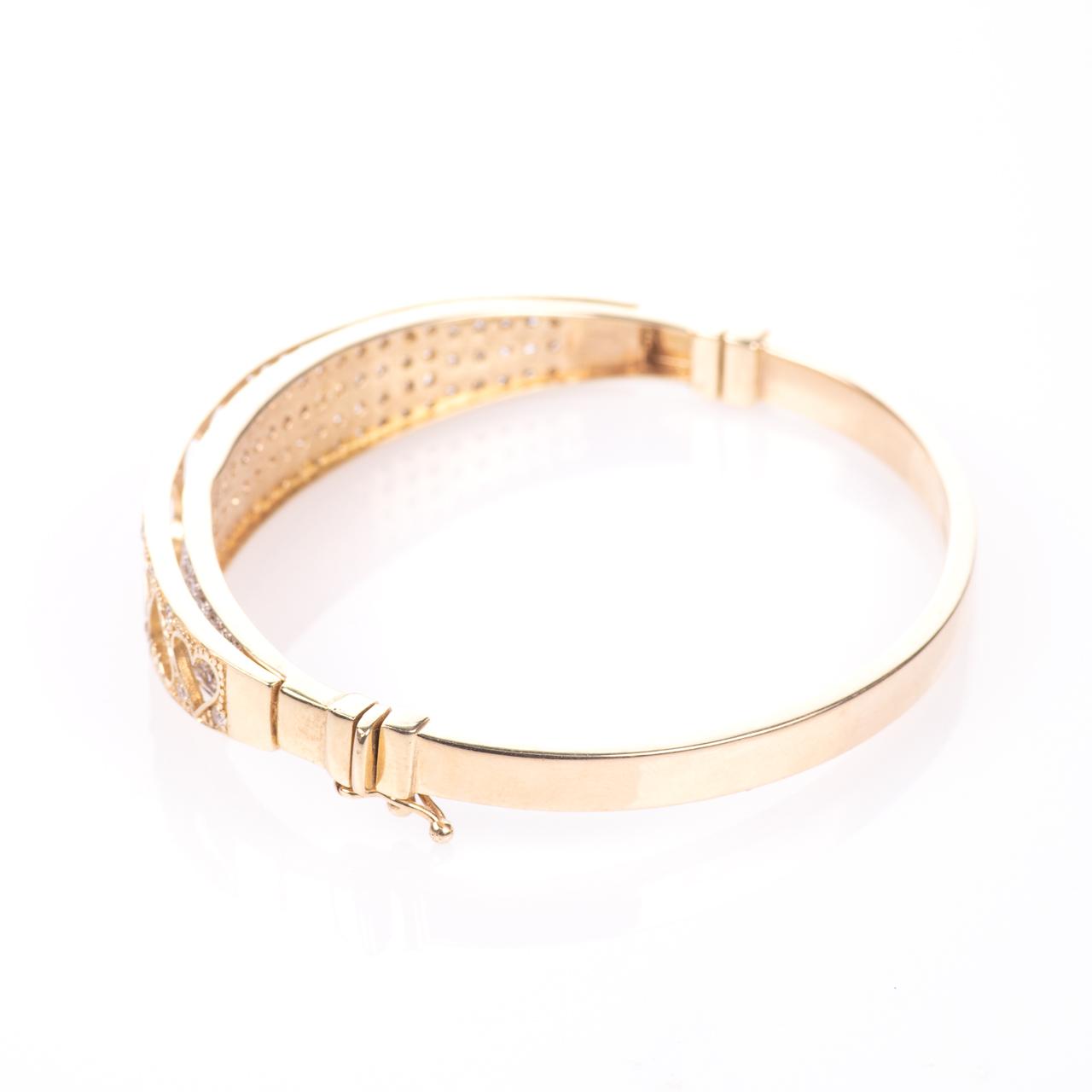 9ct Gold 4ct Diamond Heart Bangle Bracelet - Image 5 of 7