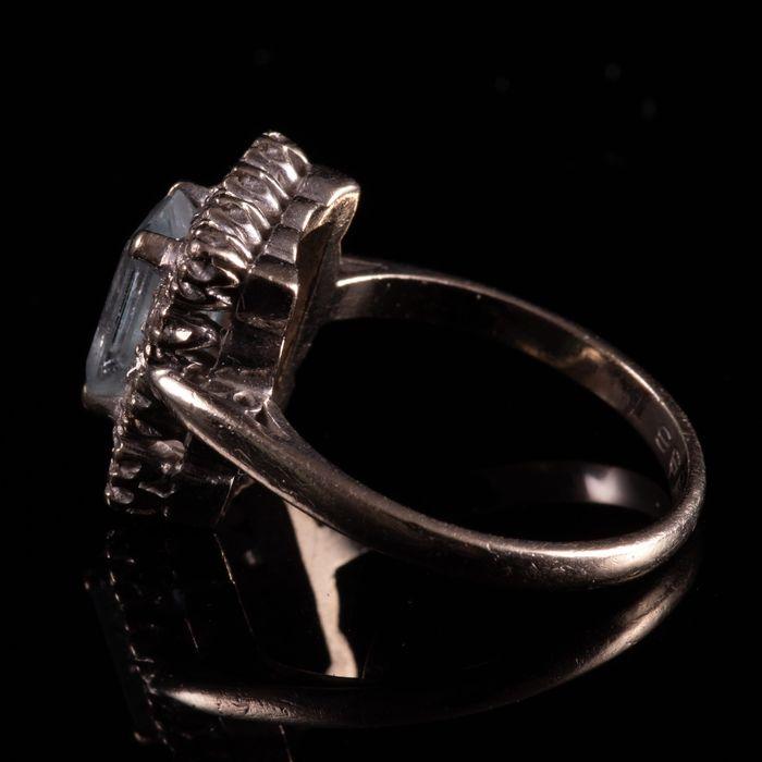 18ct Gold 1.40ct Aquamarine & Diamond Ring - Image 2 of 7