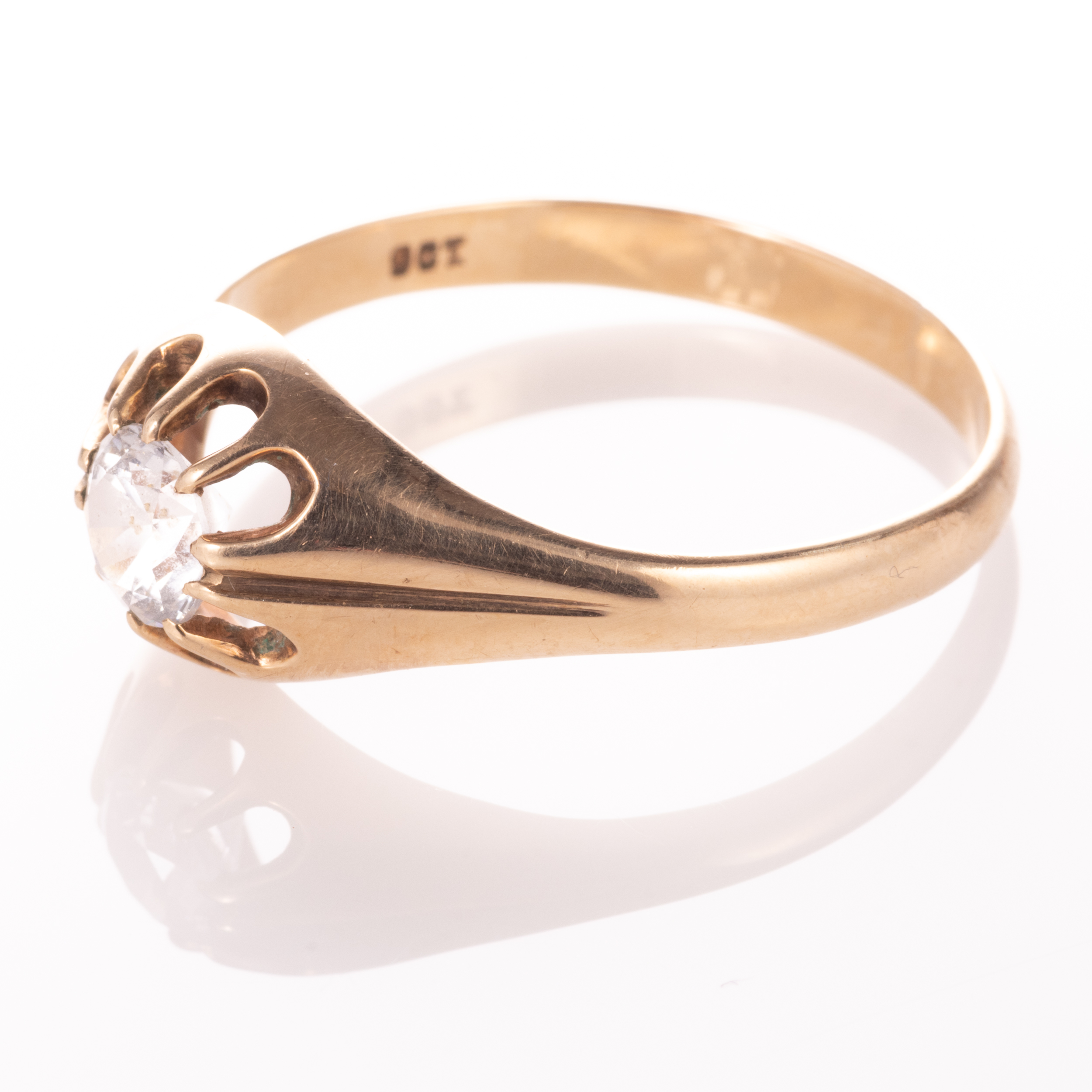 9ct Gold Gypsy Paste Solitaire Ring - Image 4 of 7