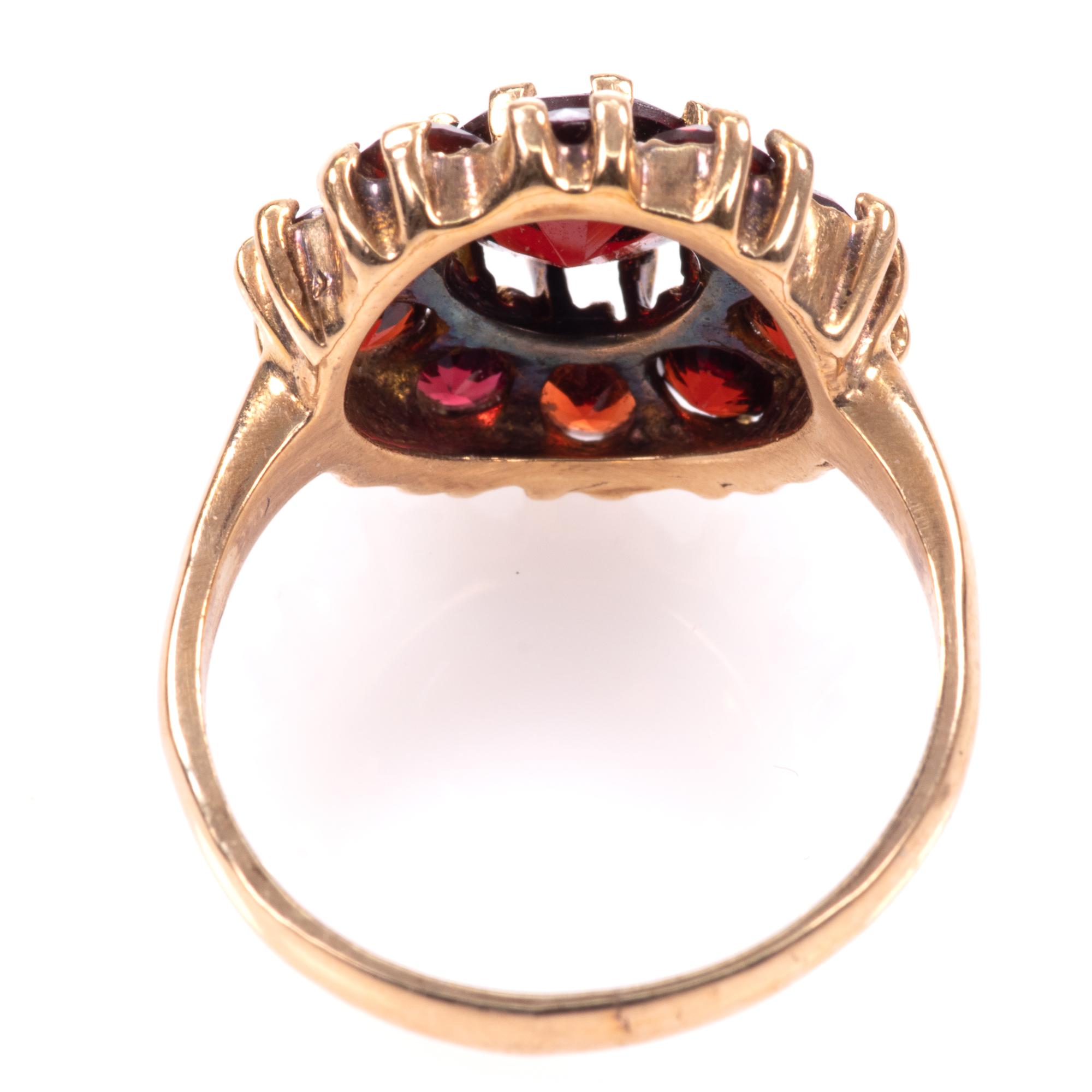 9ct Gold Garnet Ring London 1963 - Image 6 of 8