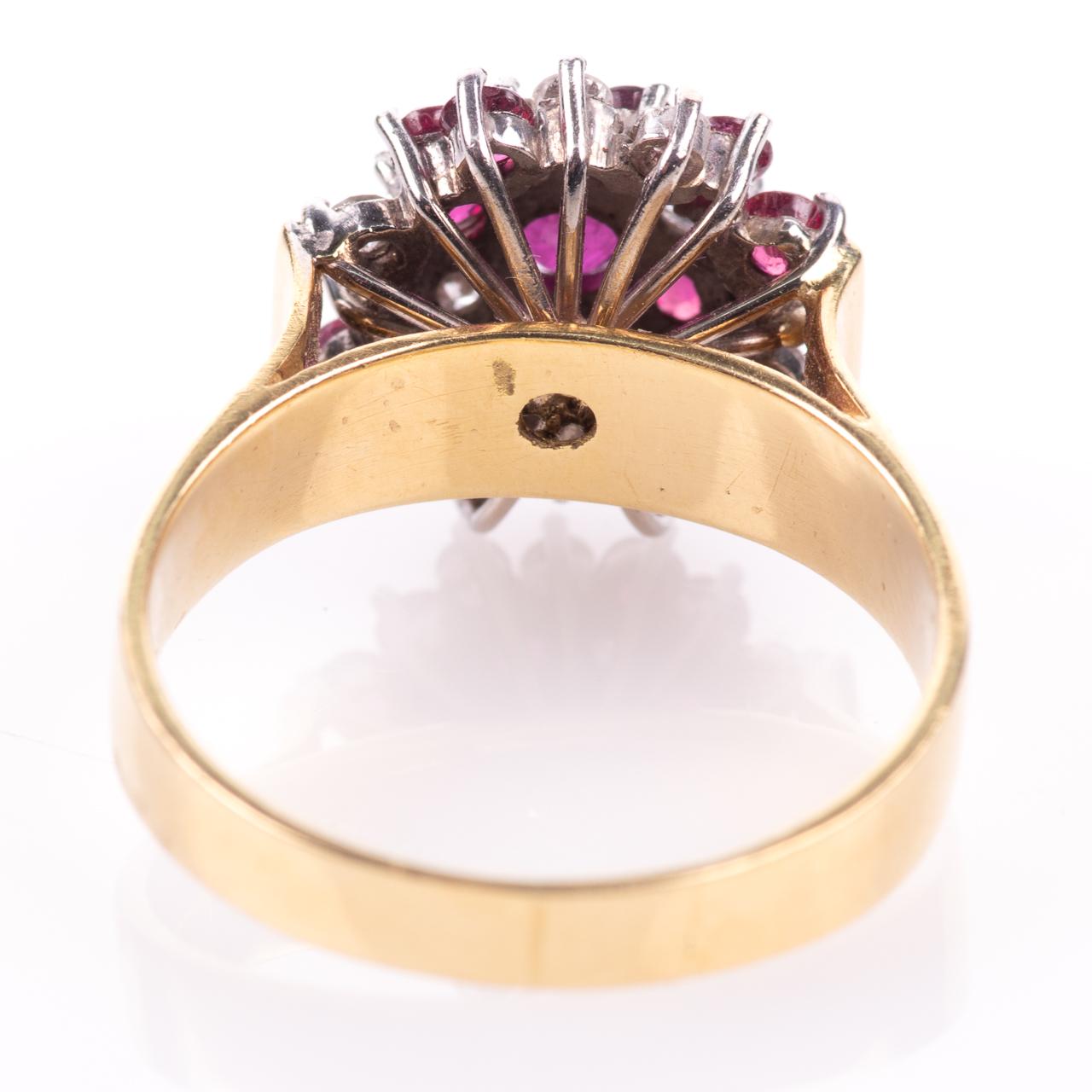 18ct Gold Ruby & 0.35ct Diamond Cluster Ring Hallmarked Birmingham - Image 6 of 7