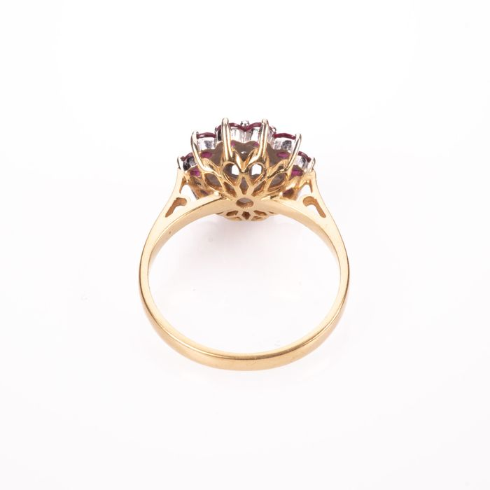 18ct Gold 0.50ct Ruby & Diamond Cluster Ring - Image 5 of 7