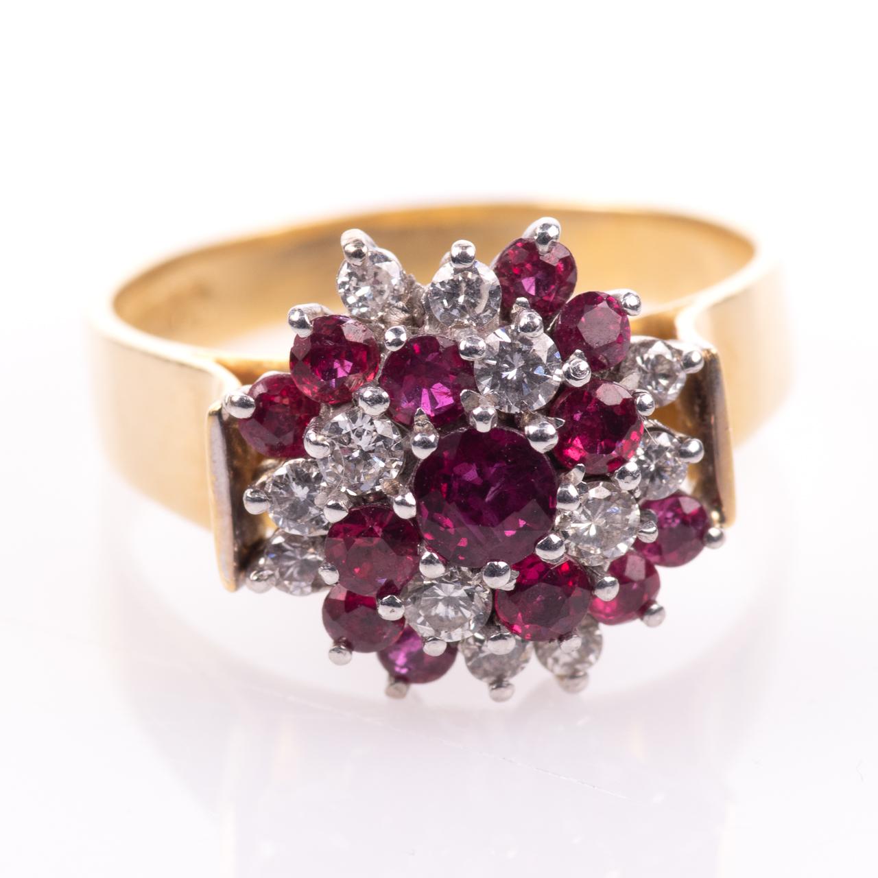 18ct Gold Ruby & 0.35ct Diamond Cluster Ring Hallmarked Birmingham - Image 3 of 7