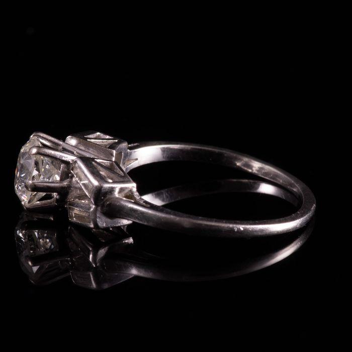 Art Deco Platinum 1ct Diamond Ring - Image 2 of 6