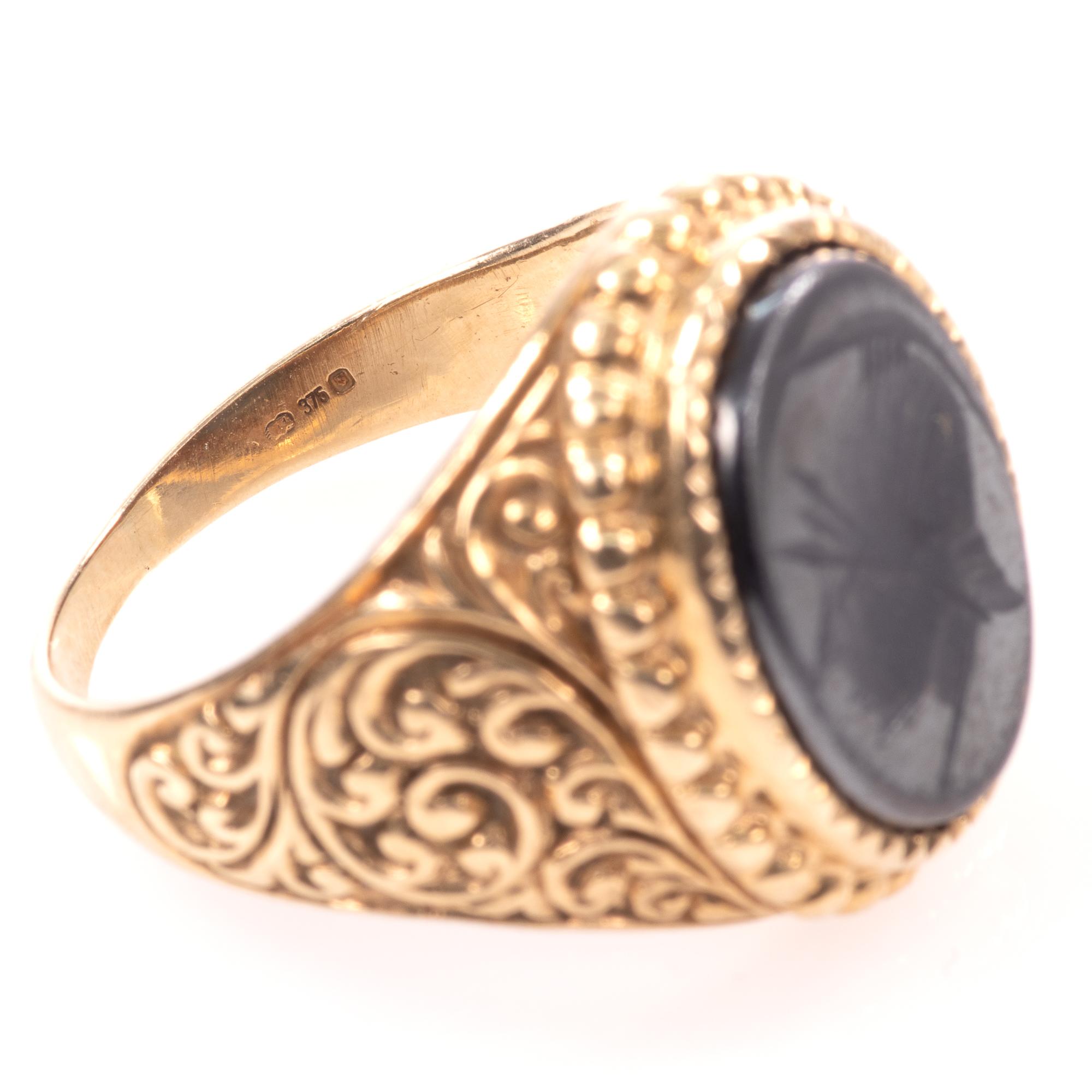 9ct Gold Centurion Onyx Signet Ring - Image 7 of 7
