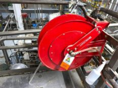 Reelcraft retractable air hose reel