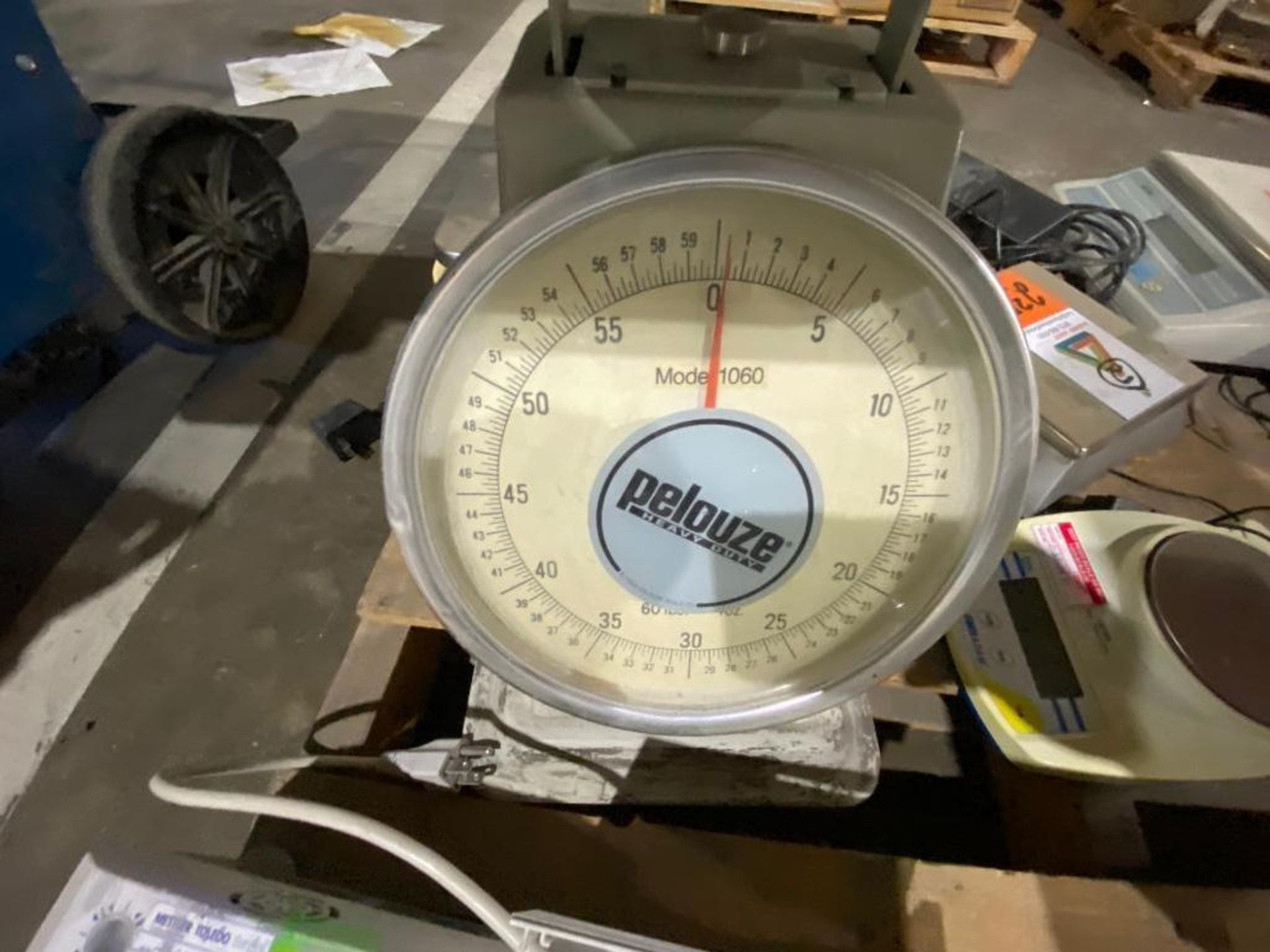 Accu-Weigh manual scale and AND digital scale - Image 4 of 5