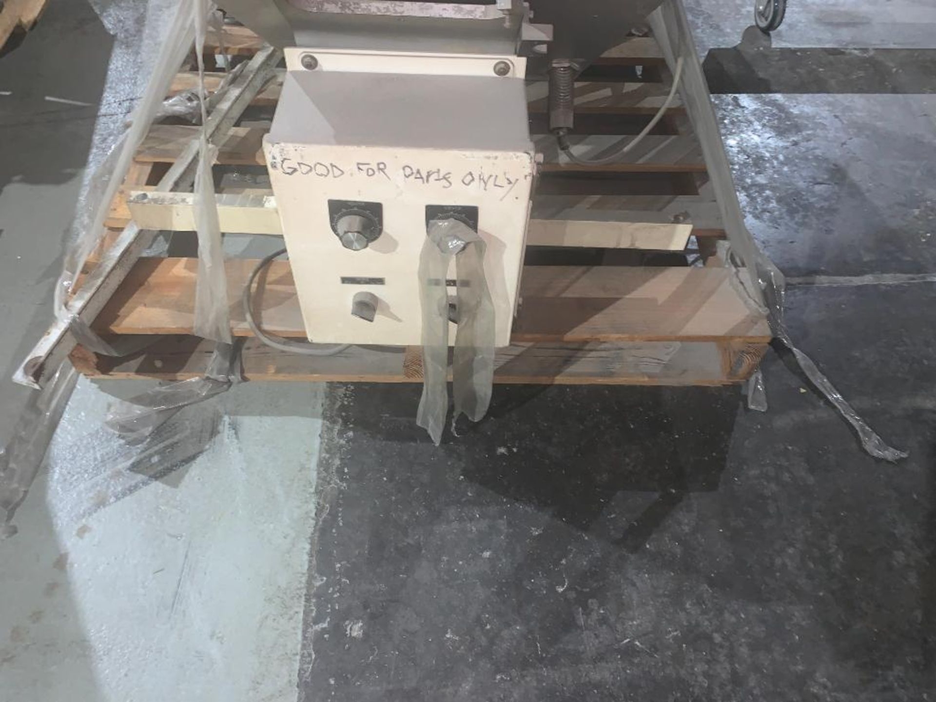 vibratory conveyor - Image 5 of 5