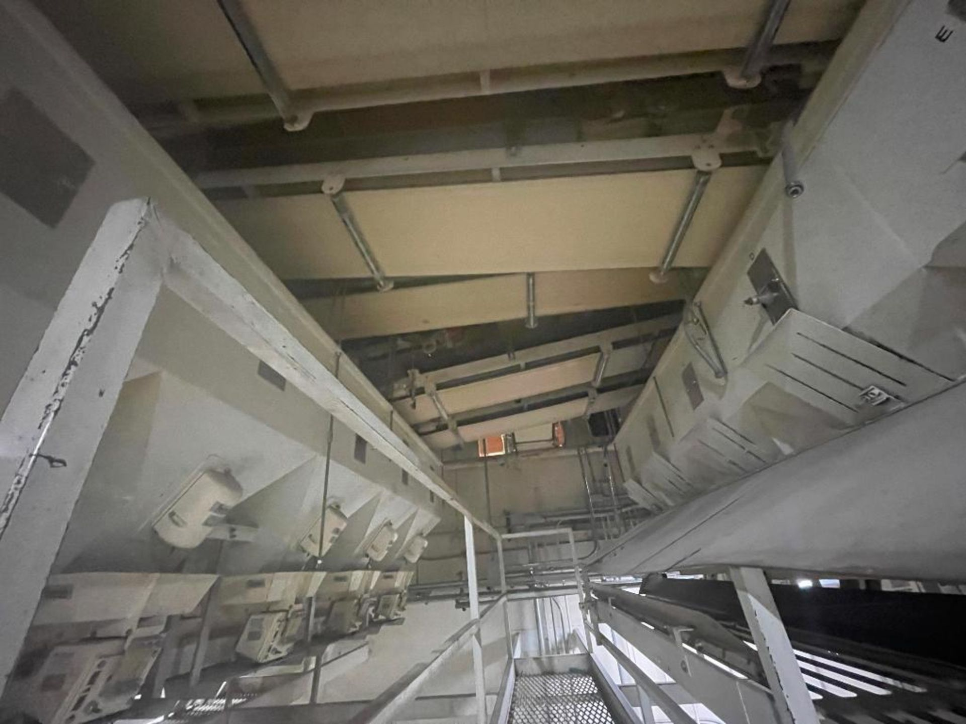 5 overhead conveyors, white rubber belt - Image 6 of 9