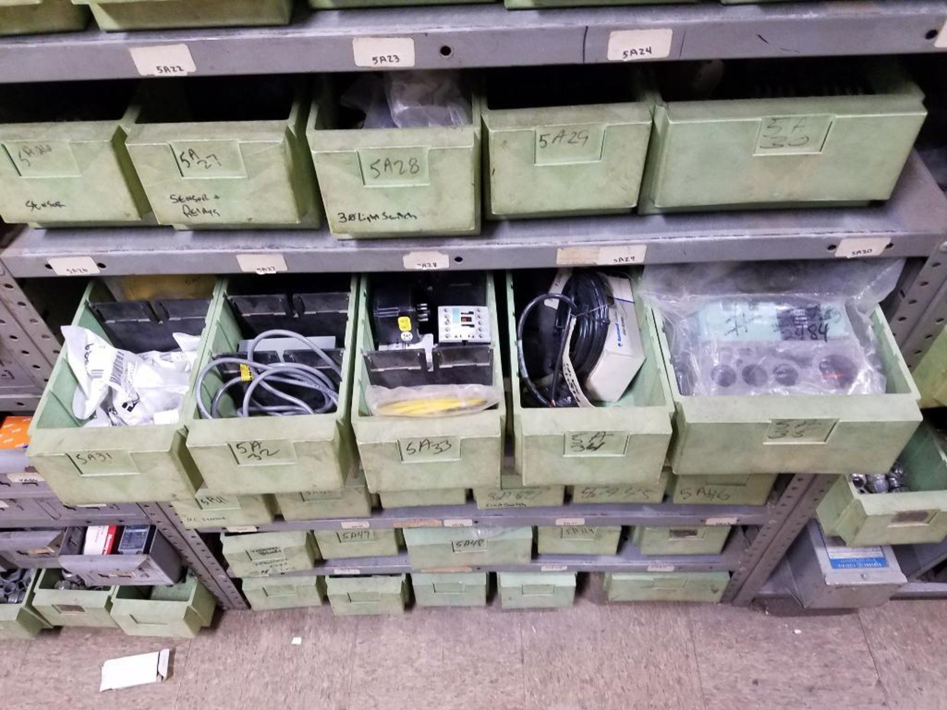 various electrical components - Image 7 of 27