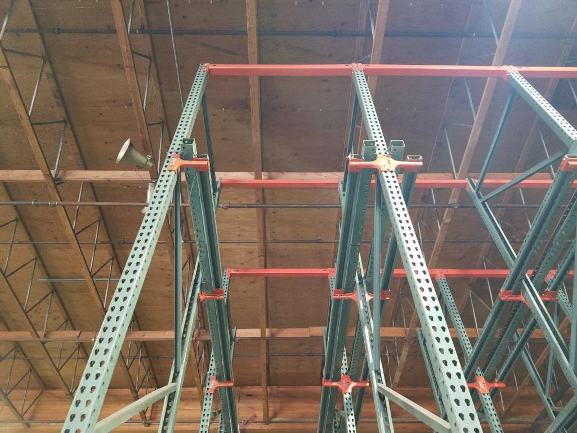 (11) bays tear drop style drive in rack - Image 4 of 6