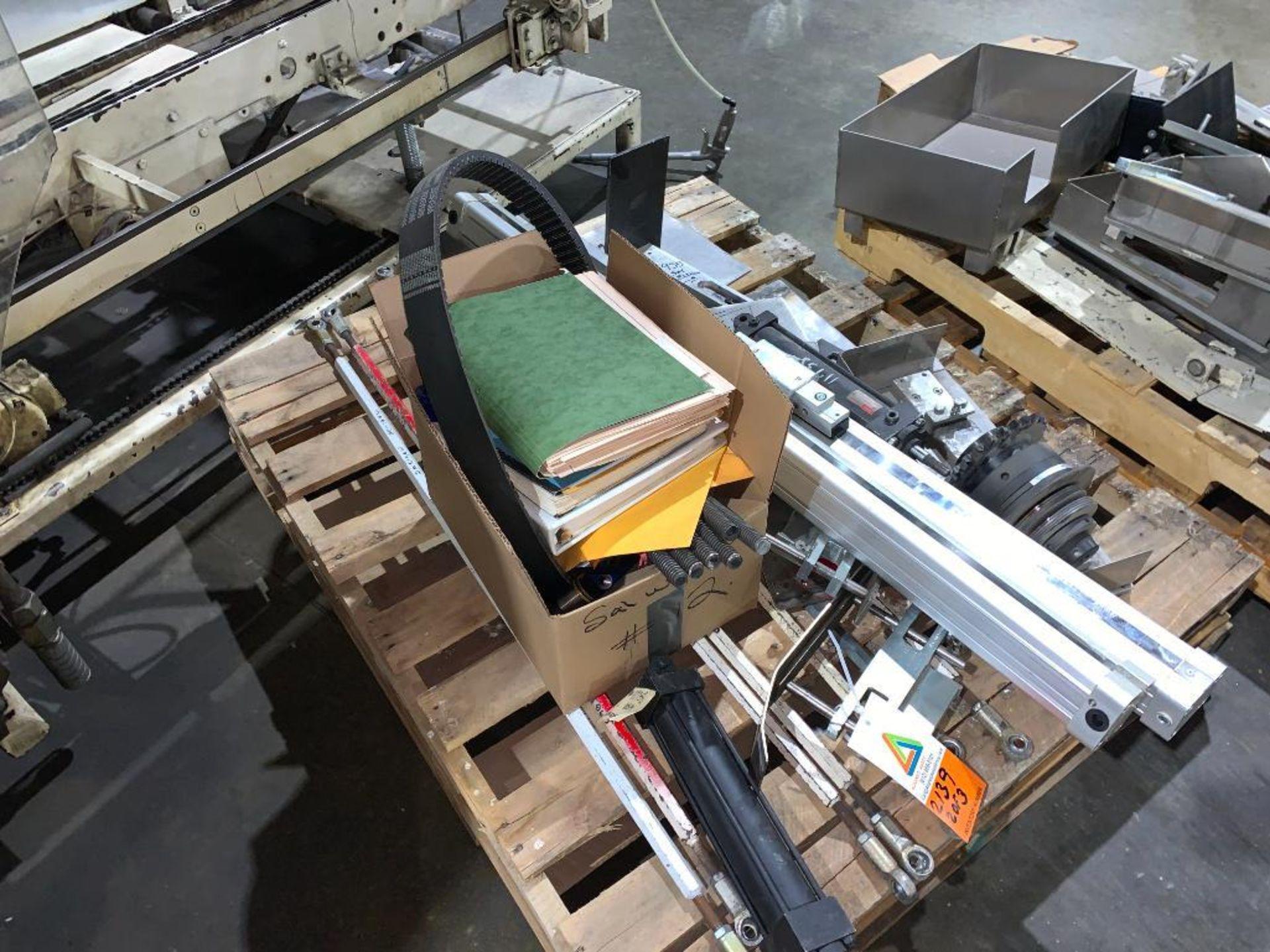 Salwasser case erector and case packer, model L41 - Image 17 of 45